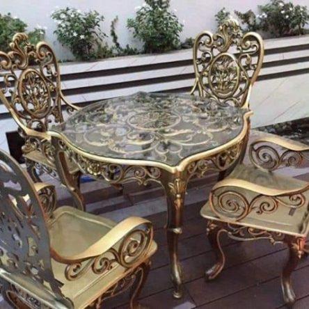 Bàn ghế hợp kim đúc